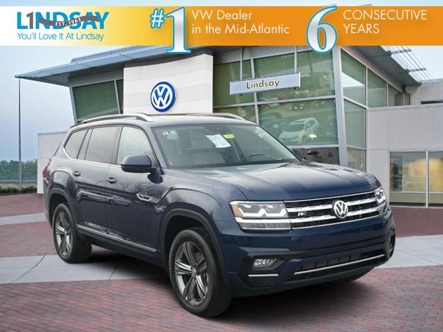 New 2019 Volkswagen Atlas SE w/Technology R-Line