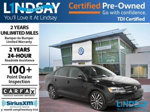 Certified Pre-Owned 2014 Volkswagen Jetta 2.0L TDI Premium with Navigation